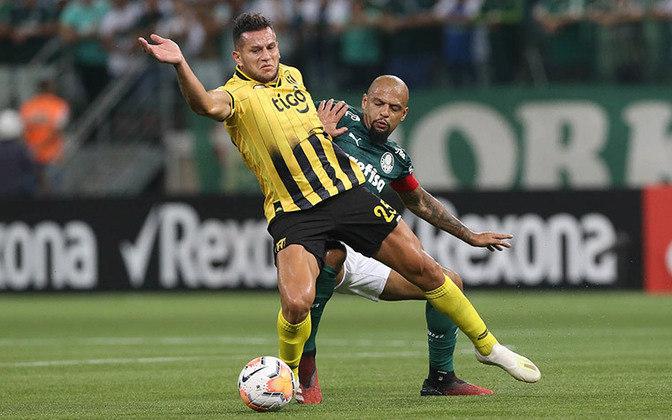 Contra o Peñarol, Felipe Melo foi protagonista de uma briga generalizada. Após a vitória do Palmeiras por 3 a 2, o volante deu um soco em Matías Mier, meio-campista do time uruguaio. A partir daí, jogadores dos dois times entraram na confusão