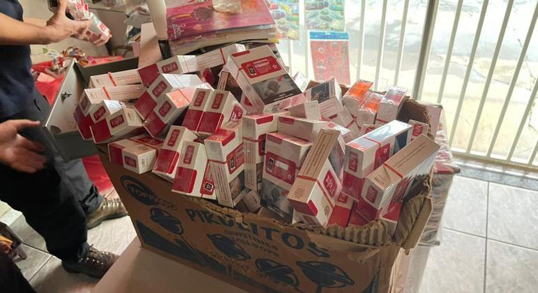 PF faz operação contra contrabando de cigarros em São Manuel e Botucatu, no interior de SP