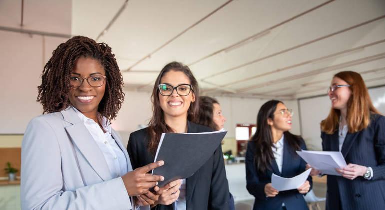 Maior presença de mulheres foi identificada em áreas como RH, marketing e comercial