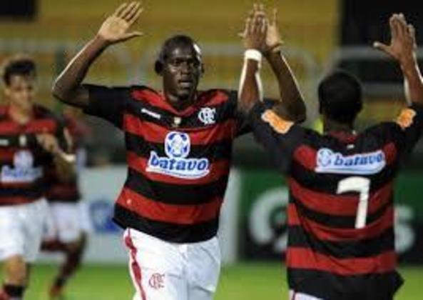 Contratado como substituto de Adriano em 2010, o atacante colombiano Christian Borja não deixou lembranças a rubro-negros. Fez sete jogos e não marcou gols.