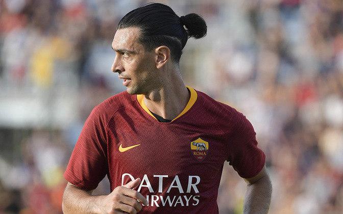 Contratado em 2018 pela Roma, Javier Pastore fecha o meio-campo. Pelo clube, são apenas 30 jogos