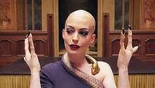 Anne Hathaway pede desculpas pela 'dor causada' por personagem