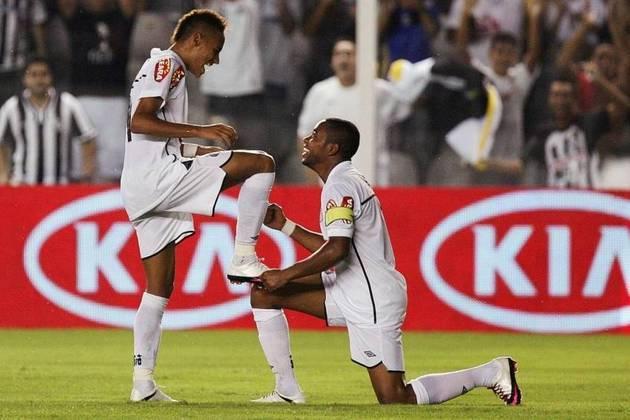 COPA DO BRASIL 2010 - À época, Neymar formava dupla com Paulo Henrique Ganso, dois talentos do futebol brasileiro que usaram e abusaram da habilidade em campo. A equipe ainda contava com Robinho. O artilheiro do time nacompetição foi Neymar, que tinha apenas 18 anos até então. Foram 11 gols no total.