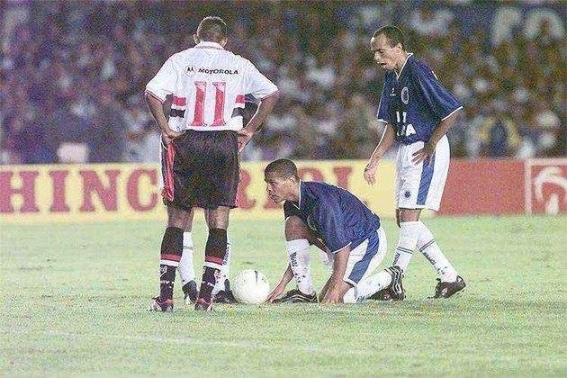 Copa do Brasil de 2000 - Um dos únicos títulos que o São Paulo nunca venceu poderia ter sido conquistado em 2000, quando o Tricolor disputou a final da Copa do Brasil contra o Cruzeiro.