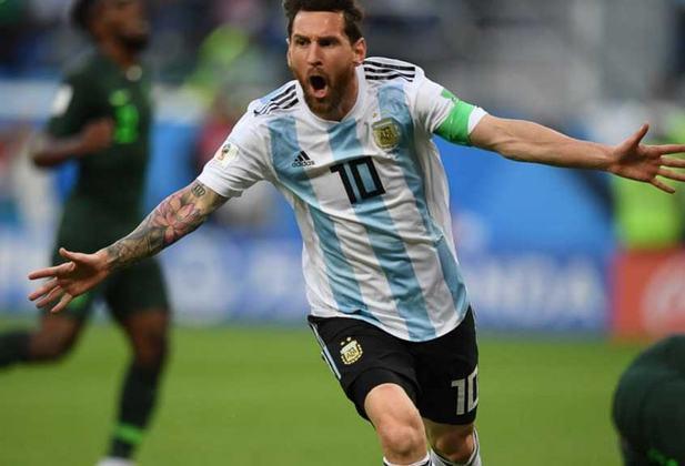 Copa do Mundo Rússia - 2018: Após mais um período aposentado da Seleção, Messi retornou para as Eliminatórias. Na Copa do Mundo da Rússia, a Albiceleste mostrou mais um show de desorganização, caindo para a França nas oitavas de final, após classificar em segundo lugar, atrás da Croácia.