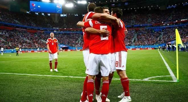 Desempenho da seleção russa surpreendeu os torcedores