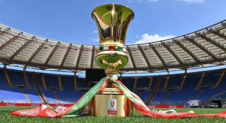 O troféu da Copa Itália