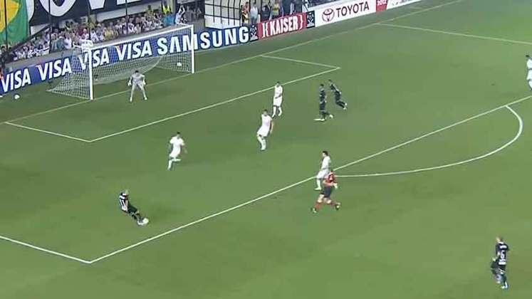 Copa Libertadores 2012 - Corinthians x Santos: os grandes rivais paulistas se encontraram nas semifinais de 2012. Na Vila Belmiro, Emerson Sheik anotou um golaço, e o Timão venceu o Peixe por 1 a 0.