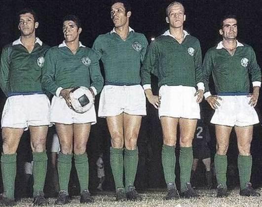 Copa Libertadores de 1968 - A competição, diferentemente da edição de 1961, foi dividida em duas fases de grupos, semifinal e final. Na semifinal, contra o Peñarol, o Palmeiras deu o troco pela final de anos antes. No jogo de ida, o Verdão venceu por 1 a 0, em casa