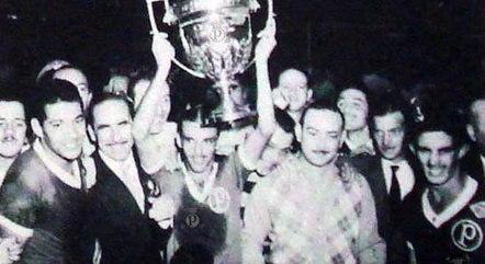 Palmeirenses festejam título da Taça Rio de 1951