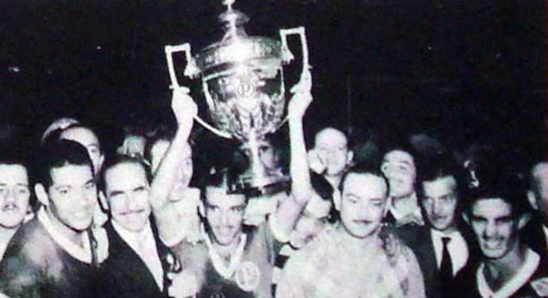 Jogadores do Palmeiras comemoram o título conquistado sobre a Juventus