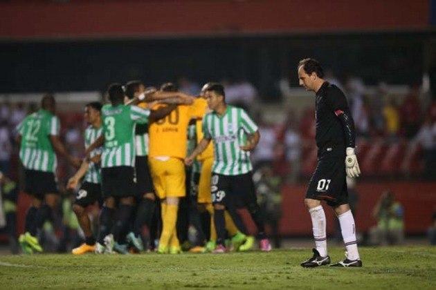 Copa Sul-Americana/Semifinal/Atlético Nacional-COL: O Tricolor foi eliminado pela equipe colombiana nos pênaltis em pleno Morumbi, por 5 a 4.