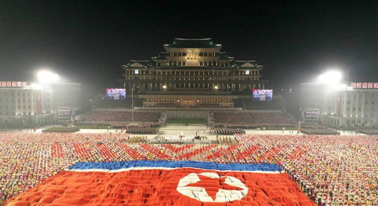 Coreia do Norte continua realizando demonstrações de força militar do país