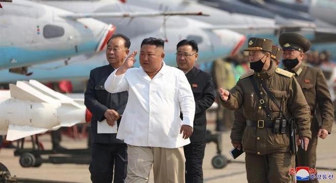 Kim Jong-un teria inspecionado base em 12 de abril, segundo agência estatal KCNA