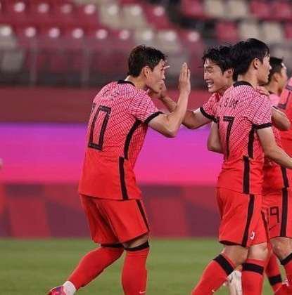 Coréia do Sul: 6 pontos (2 V/0 E/1 D) - Gols pró: 10 (melhor ataque) / Gols sofridos: 1 / Saldo de gols: 9 - Enfrenta o México nas quartas de final em 31/07, às 08h de Brasília - Pode enfrentar Brasil ou Egito na semifinal, em 03/08, às 05h.