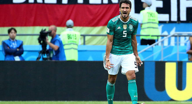 Hummels se irrita com atuação da Alemanha no empate com a Coreia do Sul