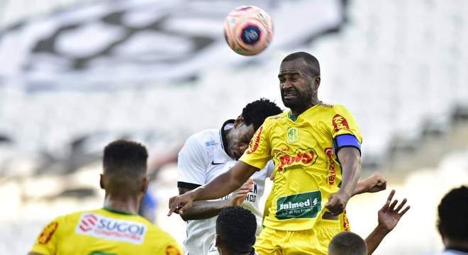 Os jogadores do Corinthians tiveram contato físico com os do Mirassol