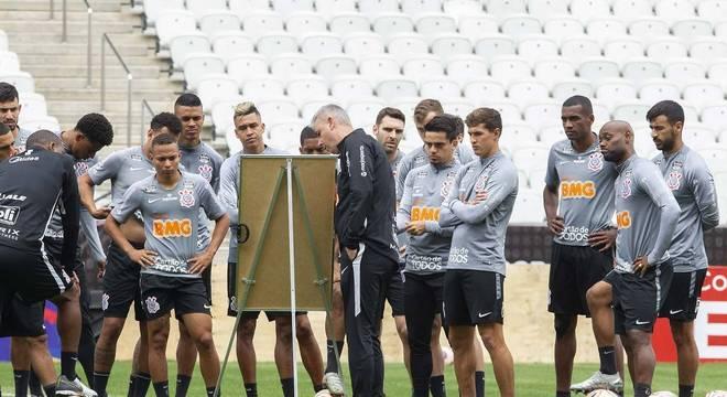 Depois de três meses atrasados, se campeão Corinthians dividirá R$ 3,5 milhões