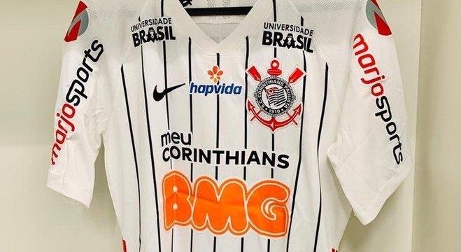 """Detalhe da camisa do """"Timão"""", Futebol ou Fórmula 1?"""
