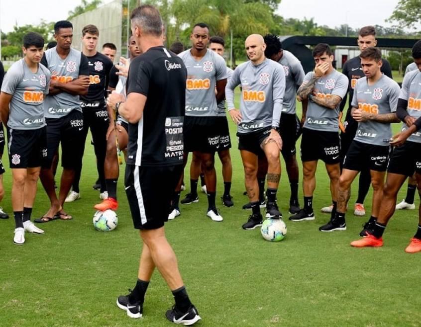 Os clubes seguiram treinando. Mesmo com o Paulista paralisado