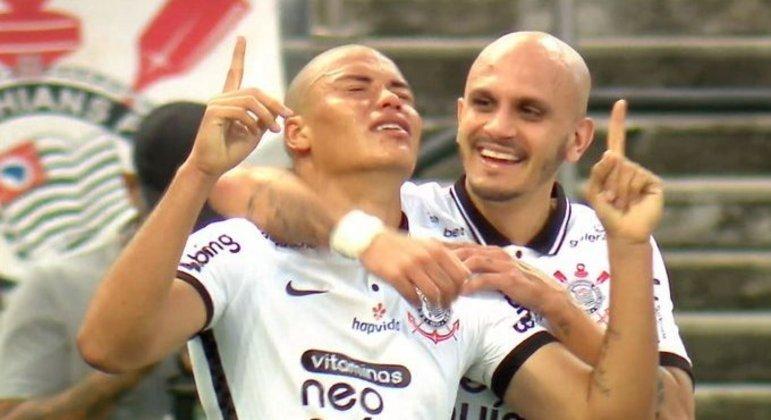 O garoto Mandaca marcou o gol decisivo do Corinthians. Time classificou o rival Palmeiras