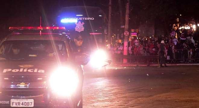 Em 2018, a Polícia Militar não conseguiu evitar as pedradas no ônibus corintiano