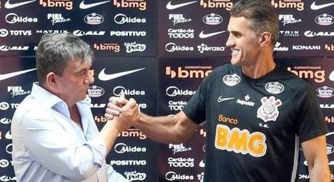 Andrés deu a primeira notícia a Mancini. Dois meses de atraso nos salários