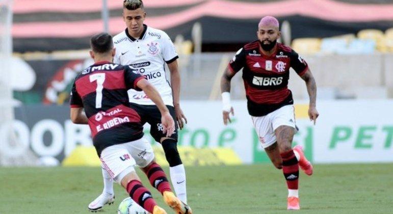 Corinthians encolhido, com medo. Por conta da derrota por 5 a 1 em Itaquera