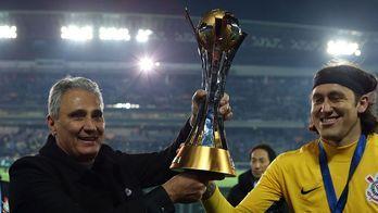 Humilhação só cresce. Justiça avisa: Taça do Mundial pode ir a leilão (Corinthians)