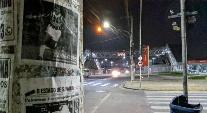Capas de jornais antigos. Destacando a vitória do Palmeiras na final de 1993