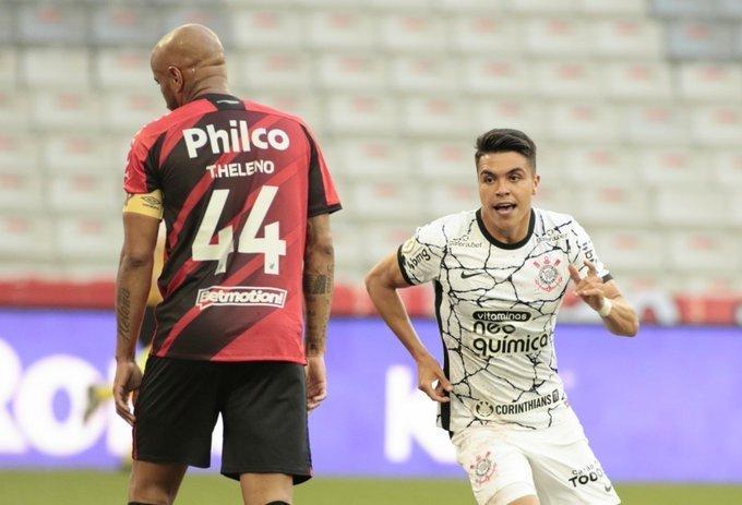 Roni marcou o gol, contra o Athletico, que deixa firme a escalada do Corinthians no Brasileiro