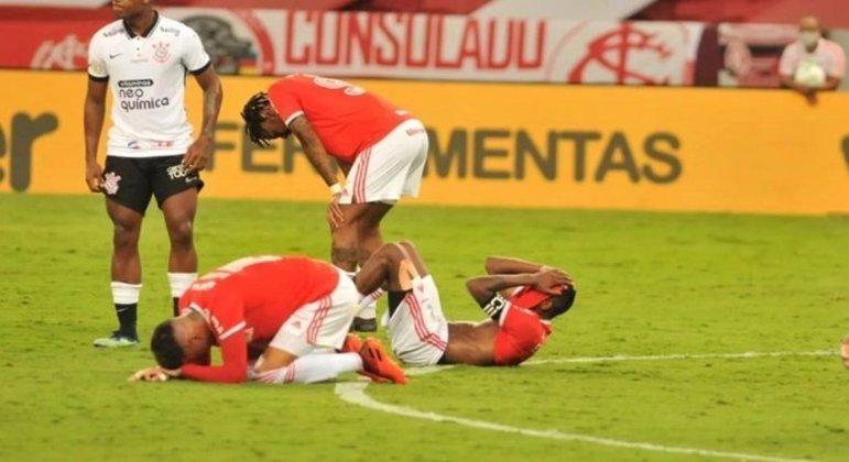 Corinthians, apenas 12º colocado. Mas conseguiu estragar o sonho do Internacional