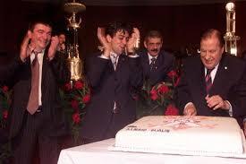 Andrés festejando o aniversário do então presidente Dualib. Ele era diretor de futebol