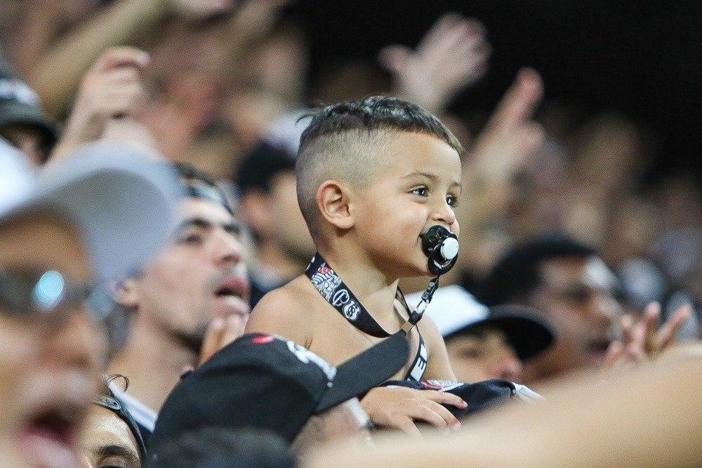 Corinthians briga na justiça. Quer que governo complete o dinheiro das meia entradas