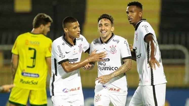 Corinthians – 8 jogadores: Cássio (33 anos), Gil (33 anos), Danilo Avelar (31 anos), Fábio Santos (35 anos), Fágner (31 anos), Michel (31 anos), Camacho (31 anos) e Jô (34 anos)