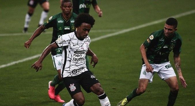 Após 14 anos de sua saída, Willian voltou a vestir a camisa do Corinthians