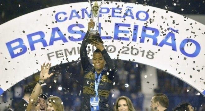 Corinthians vai tentar ser o primeiro bicampeão do Brasileiro