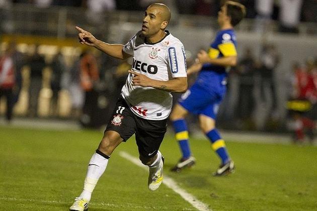 Corinthians - Com a equipe comandada pelo técnico Tite, o Timão fez uma campanha brilhante e conquistou a Copa Libertadores de 2012 de forma invicta, com 8 vitórias e 6 empates em 14 jogos