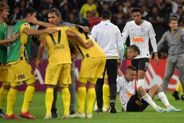 Chegando com elenco renovado em 2020, o Corinthians necessitava passar pelo rival Guaraní, do Paraguai, para se classificar para a fase de grupos. Entretanto, mais uma vez o Alvinegro foi parado pelos paraguaios, e acabou eliminado pela segunda vez na pré-Libertadores
