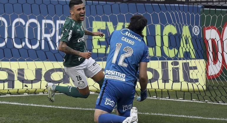 Palmeiras abriu o placar aos 11 minutos, com gol de Victor Luis