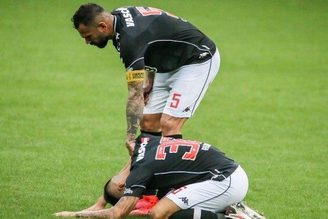 Realidade. Vasco rebaixado pela quarta vez. E o Corinthians fora da Libertadores. Times limitados