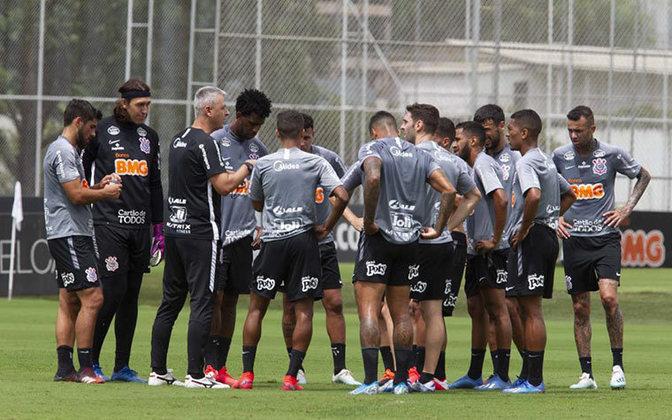 Corintihans - No Timão, os atletas do elenco profissional tiveram seus salários reduzidos em 25%.  A comissão técnica, por sua vez, sofreu um corte de 70%, assim como outros funcionários do clube.