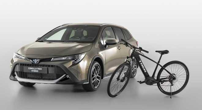 O Corolla TREK traz visual off-road e motorização híbrida