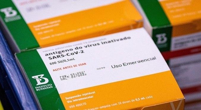 Estado deve receber nas próximas semanas insumos para mais 5 milhões de doses