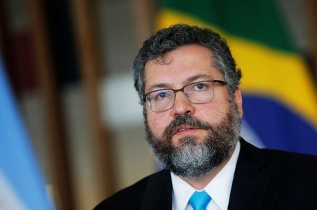 Ernesto Araújo testou negativo para coronavírus