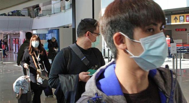 População se protege com máscaras