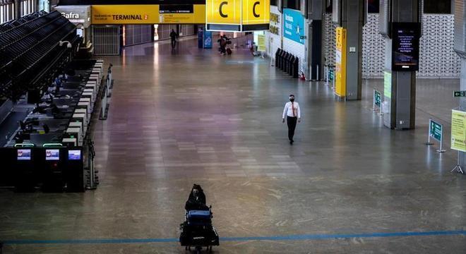 A partir de quarta-feira, passageiros vindos do Brasil não entrarão nos EUA