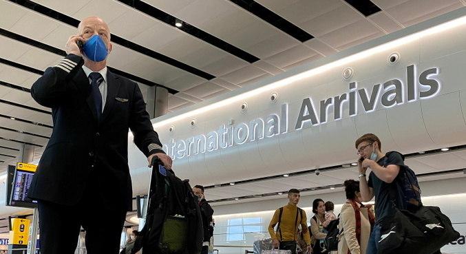 Ministro britânico defende restrição de voos brasileiros e de outros países