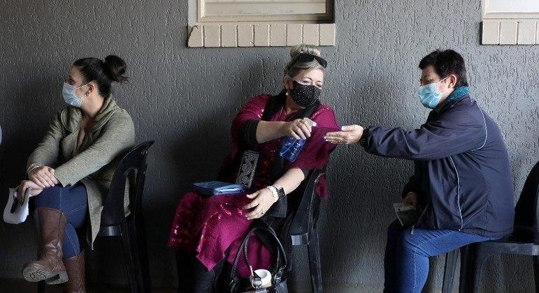 Cerca de 0,8% da população sul-africana recebeu vacinas contra a covid-19