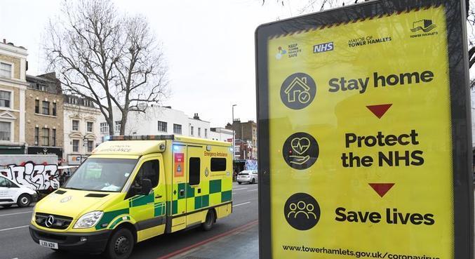 Quinto país com mais casos, o Reino Unido chegou nesta 2ª a 100 mil mortes